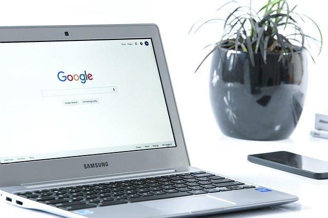 Počítač s vyhledávačem.jpg