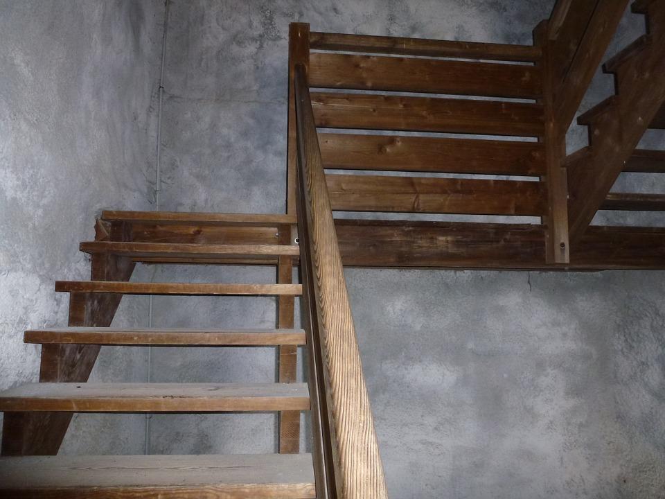 staré schodnicové schody
